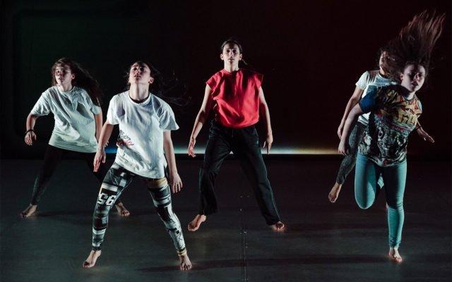 """A Dance For Greta, Greta Thunberg, danse, chorégraphie, théâtre, ancre, climat, cause, débat, hip-hop, militant, militante, environnement, """"How dare you"""" © Leslie Artamonow"""