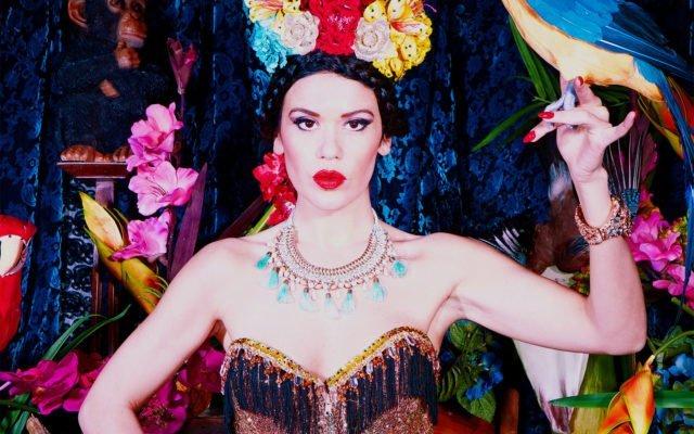 Délices Burlesques, Sayuri Gei, Burlesque Passion, glamour, effeuillage, contorsion, effeuillage, Eden, Centre culturel de Charleroi