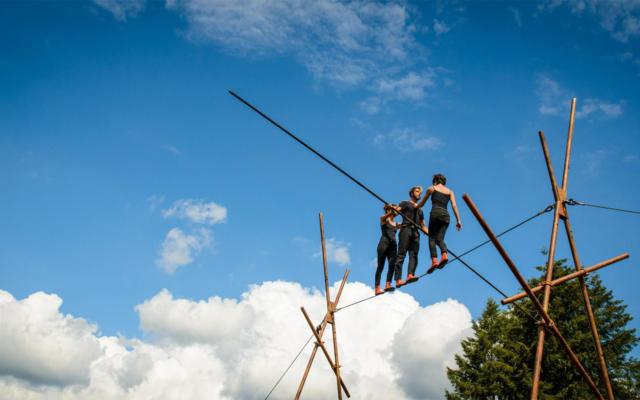 Points de Chute, compagnie Chaussons Rouges, cirque, acrobaties, sambrienne, cité sociale, Eden, Centre Culturel de Charleroi