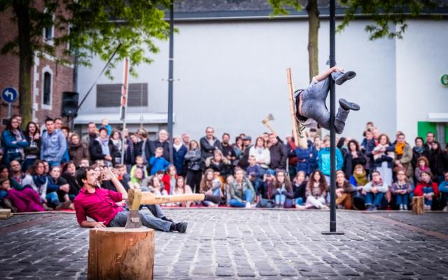 Points de Chute, compagnie One Shot, cirque, acrobaties, sambrienne, cité sociale, Eden, Centre Culturel de Charleroi © F. Rochart