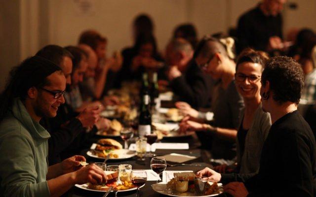 Veggie Party, vegan, vegane, veganisme, nourriture, végétalienne, fête, convivialité, Eden, Centre culturel de Charleroi