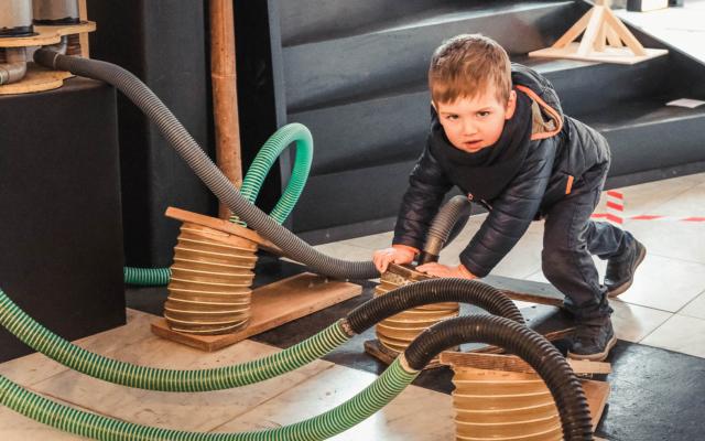 Petite Fabrique, atelier, Carnaval, stage, jeune public, enfant, Theâtre de la Guimbarde, Eden, Centre culturel de Charleroi © Aurélie Clarembaux