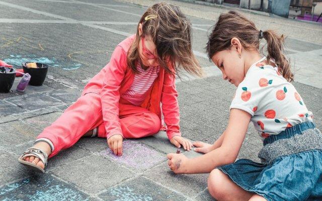 Iles aux couleurs, Atelier intergénérationnel, atelier, enfants, parents, l'îlot, théâtre de la Guimbarde, ©Eden|Centre culturel de Charleroi